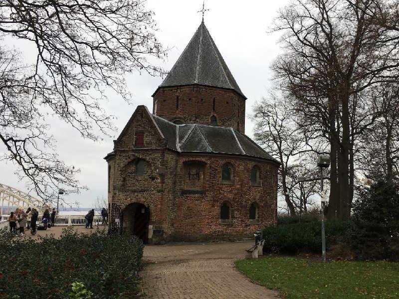 Valkhof Sint-Nicolaaskapel in Nijmegen