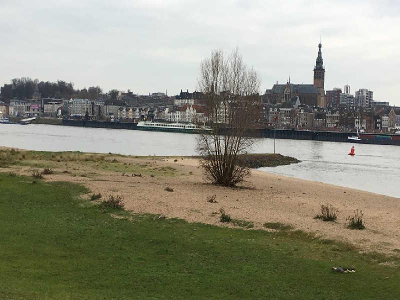 stadsgezicht Nijmegen vanaf Lentse Warande